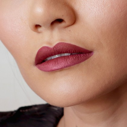 beyondmatte_LipStain_PDP_Captivate_2000x6